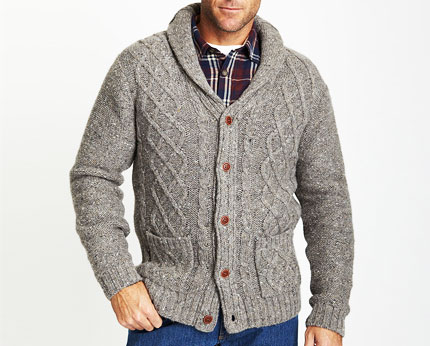 Men's Celtic Country gray, wool, cable knit cardigan size M. Thick wool, made in Ireland, pockets and leather buttons. Stitching loose on the elbow of one sleeve and some signs of wear otherwise in go.